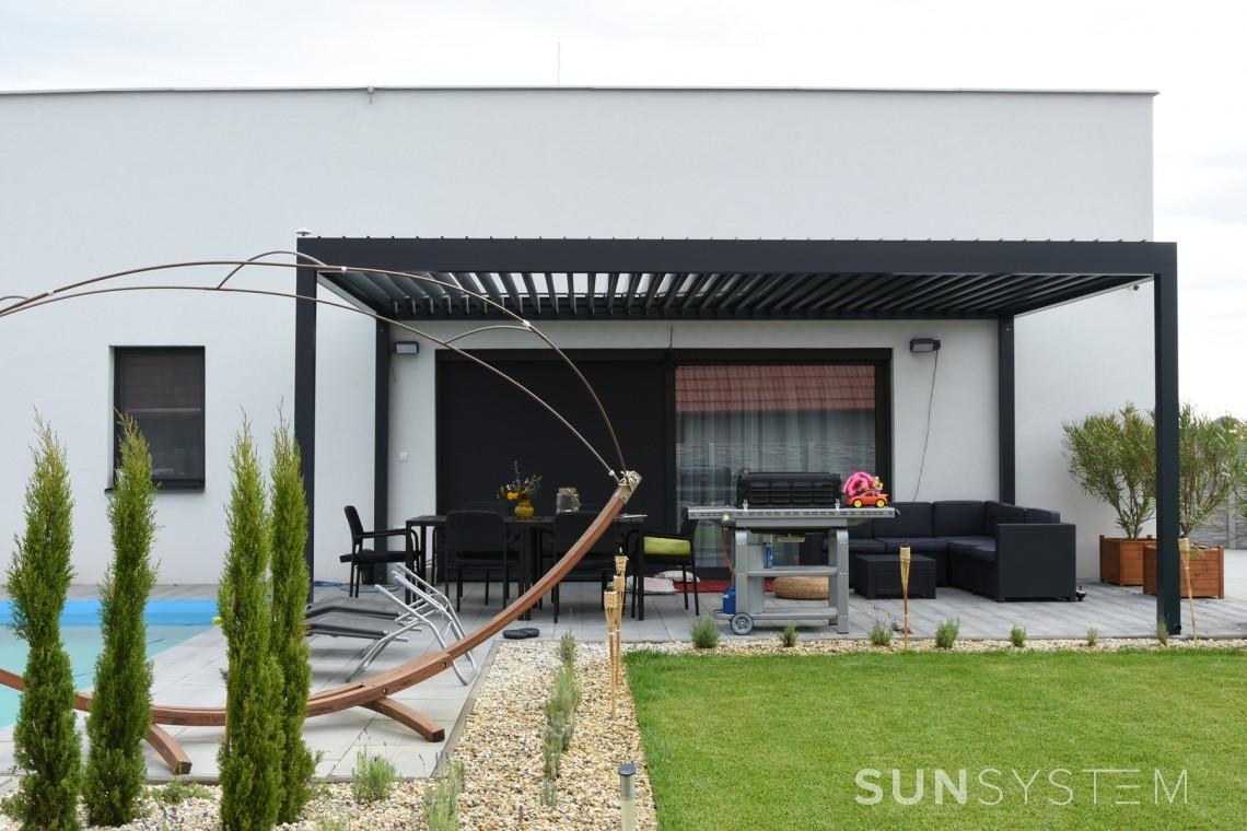 Antracitová stojící pergola Placeo | Sunsystem