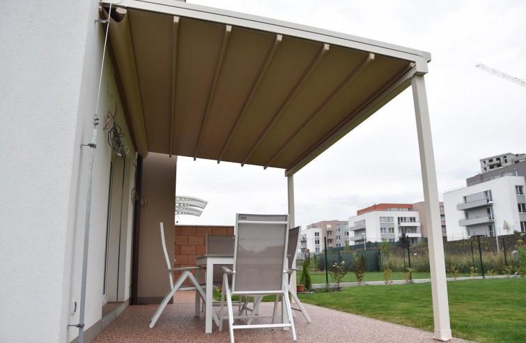 Moderní pergola pro rodinný dům