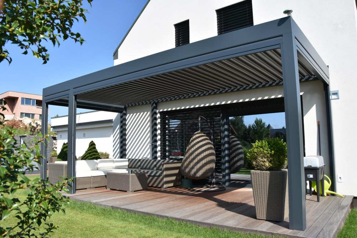 Bioklimatická pergola s naklápací strechou Placeo | Sunsystem