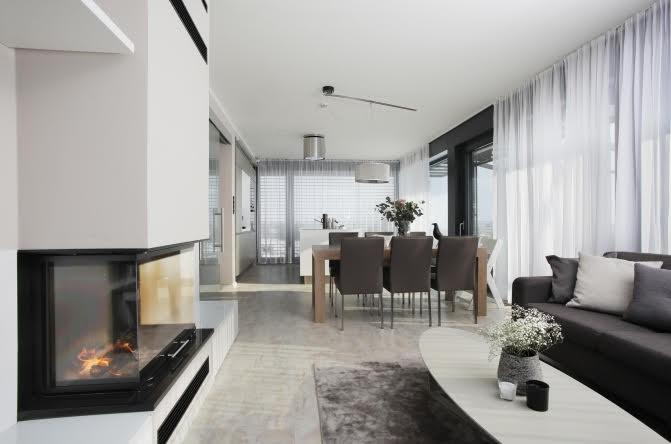 Minimalistický obývací pokoj s jídelnou | Sunsystem
