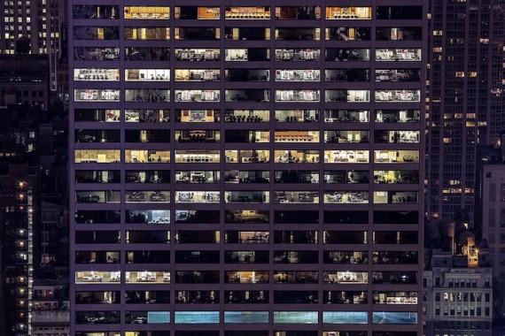 Syndrom nemocných budov. Jak mu předcházet nejen pomocí stínící techniky?