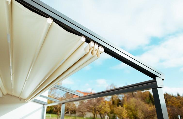 Detail posuvné střechy EVA