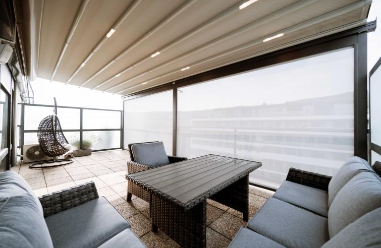 Moderní zastřešení balkonu EVA